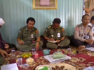 Camat Simpang Empat saat mendengarkan permasalahan yang dihadsapi oleh instansi terkait di Tingkat Kecamatan
